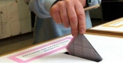 elezioni-amministrative-2011-affluenza-urne-dopo-le-22-450x300