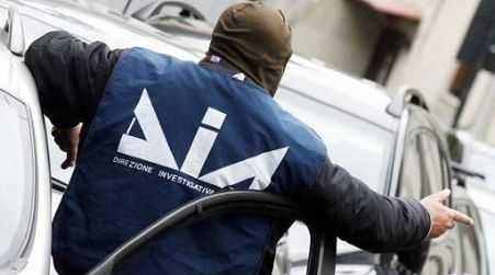 """'Ndrangheta, arresto avvocato vicino cosca """"Grande Aracri"""" Operazione contro i clan in Liguria"""