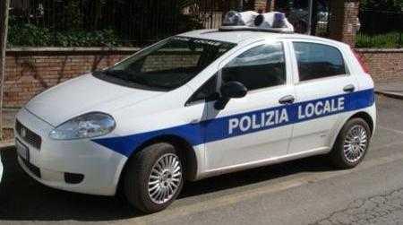 Tutela decoro urbano, controlli Polizia Locale a Lamezia Numerosi i giovani controllati ed  identificati. Deferito un sedicenne perché trovato in possesso di circa 20 grammi di di marijuana