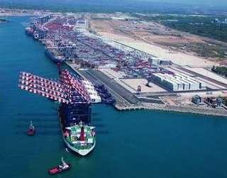 """Operazione """"Porto Franco"""", 13 imprenditori in manette e maxi sequestro di beni. In mano alle cosche i servizi del porto di Gioia Tauro"""