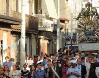 Torna in carcere il boss 83enne che fece scattare l'inchino della statua della Madonna ad Oppido