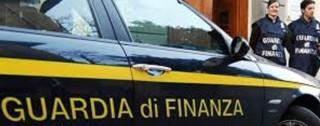 Gioia Tauro, Fiamme Gialle sequestrano prodotti contraffatti