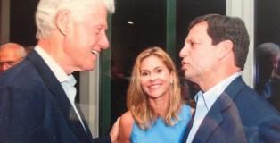 Frank_Bisigiano_con_la_moglie_Tracy_e_l'allora_presidente_Clinton