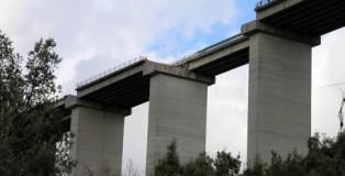 Crollo viadotto A3, disagi per il traffico