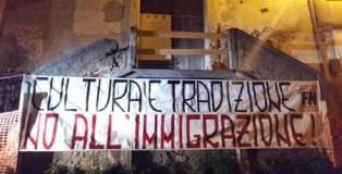 striscione foprza nuova contro immigrazione