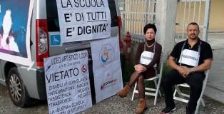 genitori romeo protesta locri