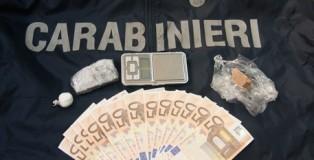 Un arresto e sequestro droga e soldi falsi a Crotone