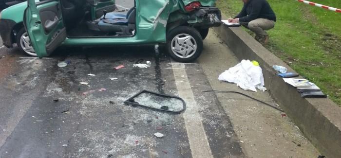 Gravissimo incidente tra Taurianova e Cittanova Scontro frontale tra una  600 e un'Audi. In prognosi riservata all'ospedale di Reggio Calabria il conducente della Fiat