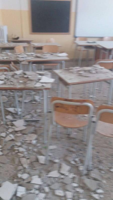 soffitto scuola campanella gioia tauro crollato