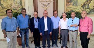 i_sottoscrittori_dell'associazione_Strade_del_Vino_e_dei_Sapori_delle_Terre_di_Calabria_della_provincia_di_Cosenza
