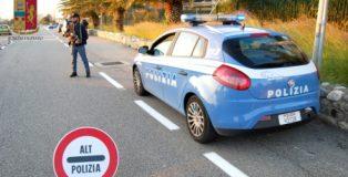 polizia alt