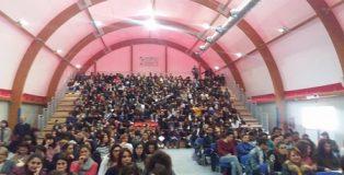 """20170320_Progetto_Martina,_convegno_sui_tumori_al_Liceo_Cl_assico-Artistico_""""Morelli-Colao""""_di_Vibo_Valentia_01Conv_egno"""