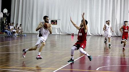 Basket, domani gara 1 Vis-Rende al PalaBotteghelle Si comincia con i play off