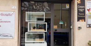 furto gioielleria taurianova vetrina vuota