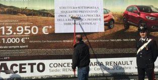 Carabinieri Paola sequestrano 17 maxipannelli pubblicitari