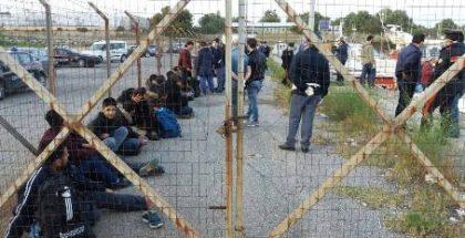 migranti a gioia tauro